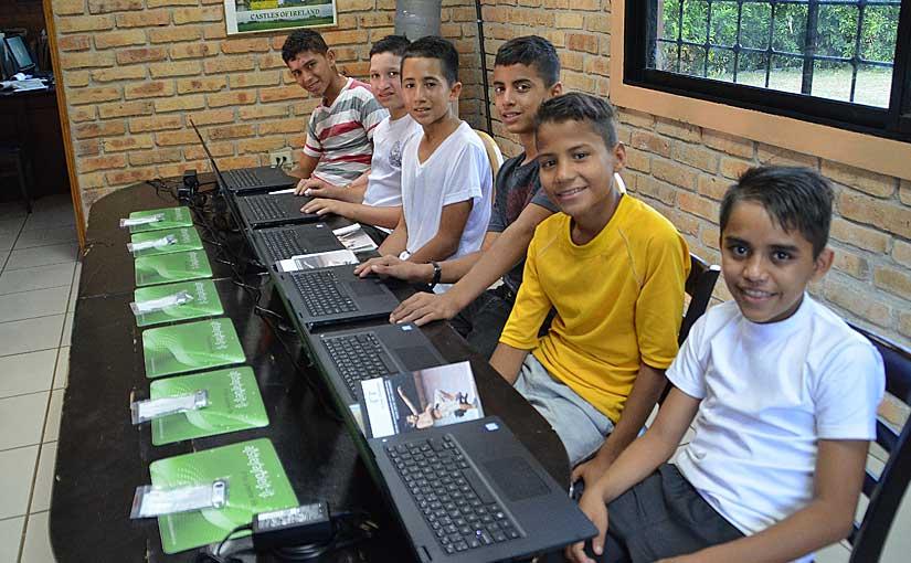 Laptops von alsterarbeit erreichen Honduras
