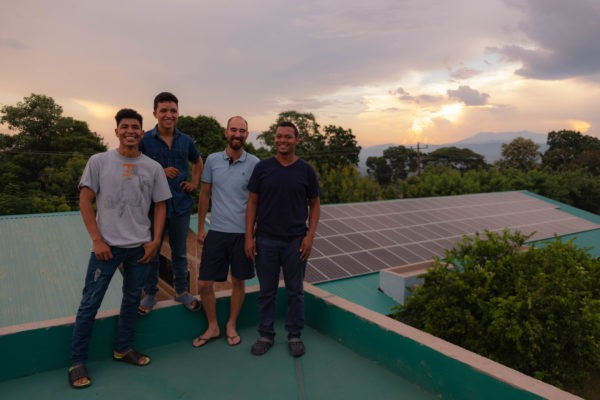 Grünes Licht - der Solarstrom in AHLE läuft
